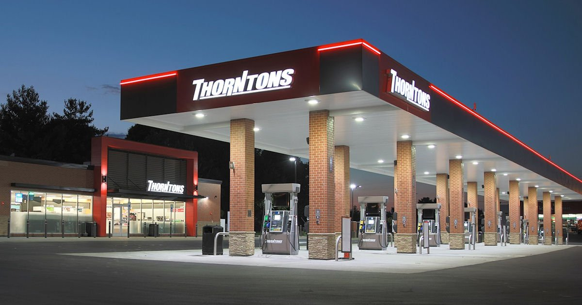 5 Free Hot Dogs at Thorntons