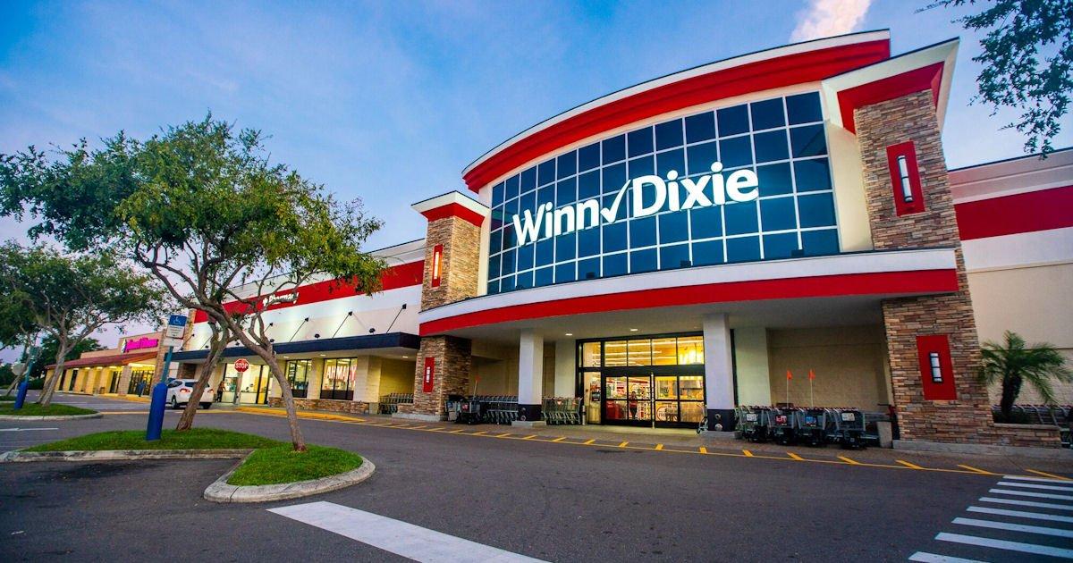 Free SE Grocers Big Roll Paper Towels at Winn-Dixie